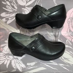 Dansko Solstice Black Full Grain Leather Clogs 40